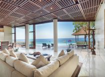 Villa Bidadari Cliffside Estate, Living y comedor