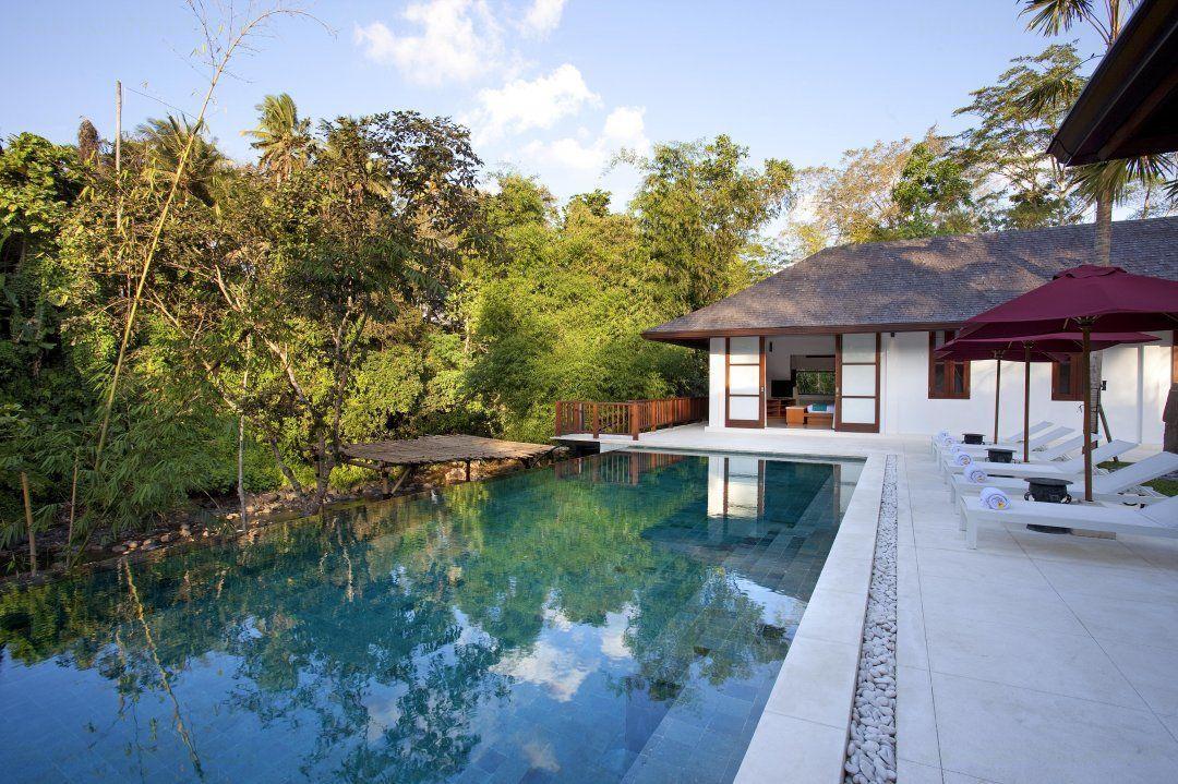 Louez la villa atacaya canggu chez for Villa piscine debordement